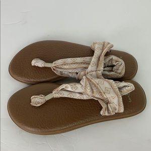Sanuk Thong Sandal Size 8 EUC Tribal Print